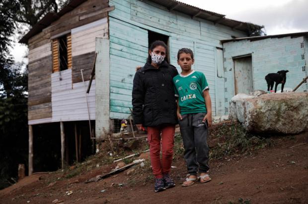 Celular doado por ONG muda rotina de estudante da Capital Anselmo Cunha / Agencia RBS/Agencia RBS