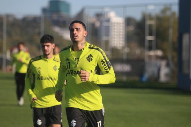 Luciano Périco: Thiago Galhardo precisa aparar arestas para seguir no Inter Ricardo Duarte / Inter,Divulgação/Inter,Divulgação