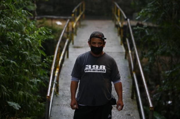 Um ano e meio de espera por conserto de ponte na Lomba do Pinheiro Felix Zucco / Agencia RBS/Agencia RBS