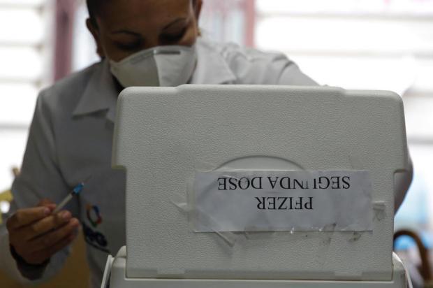 Segunda dose da Pfizer volta a ser aplicada em Porto Alegre na segunda-feira Mateus Bruxel / Agencia RBS/Agencia RBS