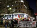 Manifestantes protestam em Porto Alegre contra Bolsonaro e reformas em discussão no Congresso Marco Favero / Agencia RBS/Agencia RBS