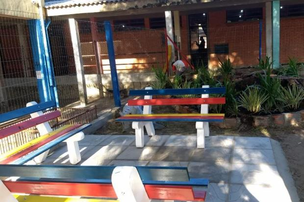 Ex-alunos reformam praça de escola no bairro Medianeira Reprodução / Arquivo Pessoal/Arquivo Pessoal