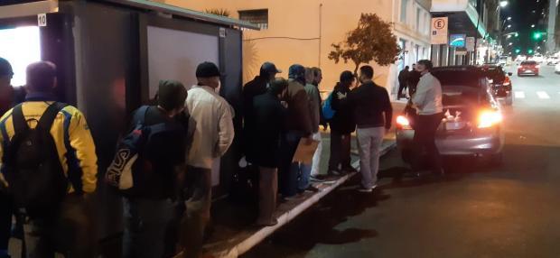 Grupo prepara lanches para moradores de rua de Porto Alegre Projeto Haja + Amor / Divulgação/Divulgação