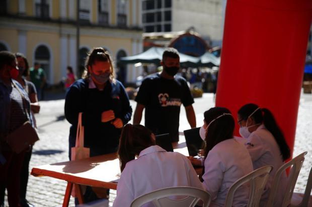 Porto Alegre mantém vacinação para população a partir dos 18 anos nesta quarta-feira Félix Zucco / Agencia RBS/Agencia RBS