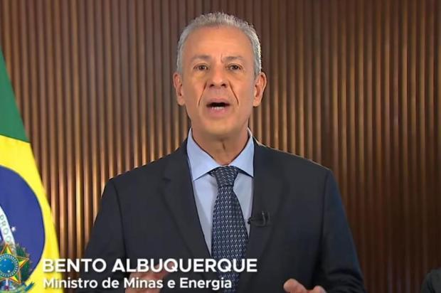 Ministro pede que população economize energia elétrica e diz que haverá recompensa YouTube.com/TV BrasilGov/Reprodução / YouTube.com/TV BrasilGov/Reprodução/YouTube.com/TV BrasilGov/Reprodução