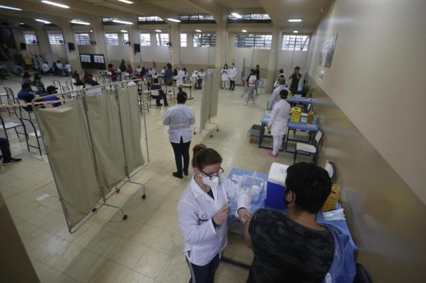Vacinação contra a covid-19 terá apenas um ponto de aplicação de doses neste feriado na Capital Lauro Alves / Agencia RBS/Agencia RBS