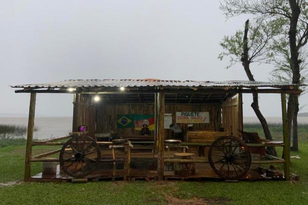 Com piquete único, primeiro Acampamento Farroupilha do Lami é inaugurado no extremo-sul de Porto Alegre Tiago Boff / Agência RBS/Agência RBS