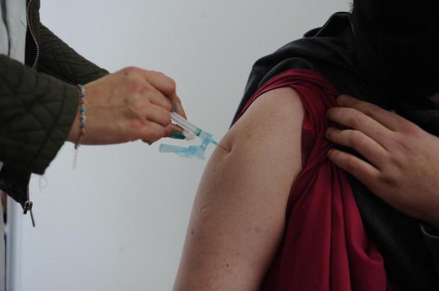 Dificuldade na adesão de brasileiros à segunda dose de vacina contra covid-19 preocupa analistas Antonio Valiente / Agencia RBS/Agencia RBS