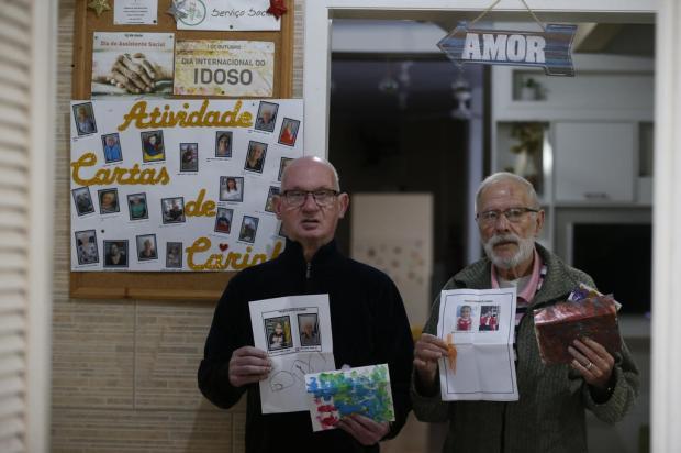 Crianças trocam correspondência com idosos de casa geriátrica de Gravataí Lauro Alves / Agencia RBS/Agencia RBS