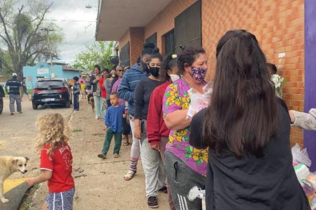 """""""Improviso com papel higiênico ou paninho"""": a realidade de mulheres que não têm dinheiro para comprar absorventes Kathlyn Moreira / Agencia RBS/Agencia RBS"""