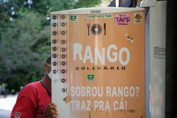 Pandemia faz aumentar a busca por comida na geladeira comunitária do Bom Fim Mateus Bruxel / Agencia RBS/Agencia RBS
