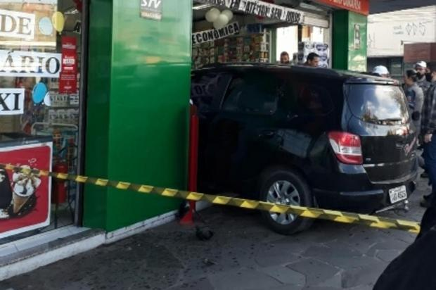 Carro invade farmácia durante tentativa de fuga de abordagem policial em Cachoeirinha Josias Urias Lemos / Arquivo Pessoal/Arquivo Pessoal