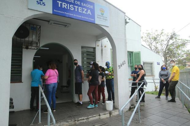 Porto Alegre terá pontos de vacinação contra a covid-19 no Largo Glênio Peres e em escola de samba; veja serviço Ronaldo Bernardi / Agencia RBS/Agencia RBS