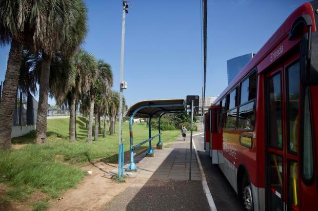 Brigada Militar diz que irá reforçar policiamento após morte de jovem em parada de ônibus na Zona Sul Jefferson Botega / Agencia RBS/Agencia RBS