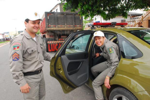 Brigada Militar realiza sonho de garota Andréa Graiz/